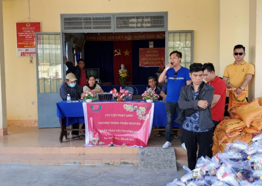 Chương trình thiện nguyện xuân trao yêu thương 2021 của công ty Việt Phát Land